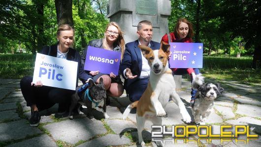 Politycy Wiosny chcą równych praw zwierząt w Unii