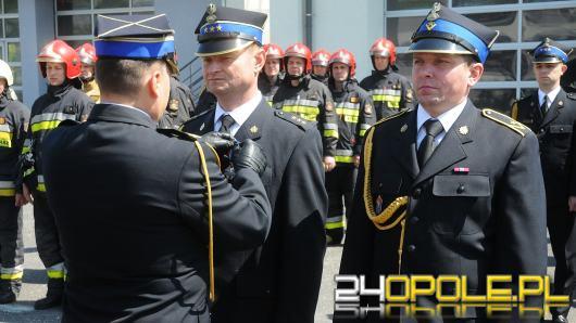 Opolscy strażacy świętują swój dzień. Odebrali awanse i odznaczenia