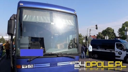 """Prowadził autokar na trasie Lwów-Wrocław bez przerwy. Posługiwał się jednocześnie dwoma """"czasówkami"""""""