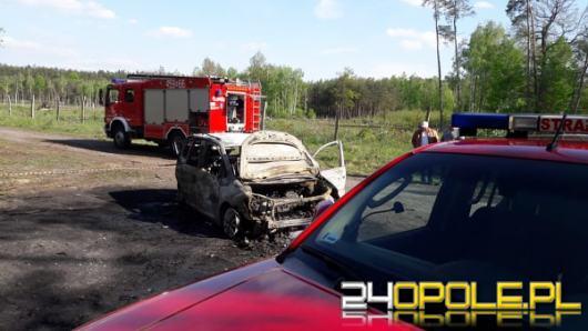 Spalone ciała w samochodzie pod Namysłowem, biegli wydali pierwsze wnioski