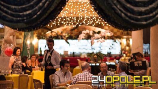 Nastrojowe oświetlenie w restauracji. O czym należy pamiętać przy projektowaniu?