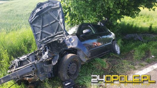 Wypadek między Kuniowem a Jasieniem, dwie osoby trafiły do szpitala