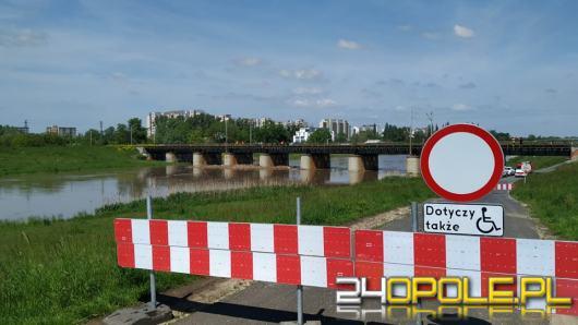 Centrum Zarządzania Kryzysowego zamknęło ulicę Bolkowską. Fala wezbraniowa przejdzie dziś w nocy
