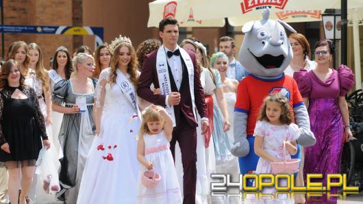 Kilkadziesiąt panien młodych przemaszerowało ulicami Opola