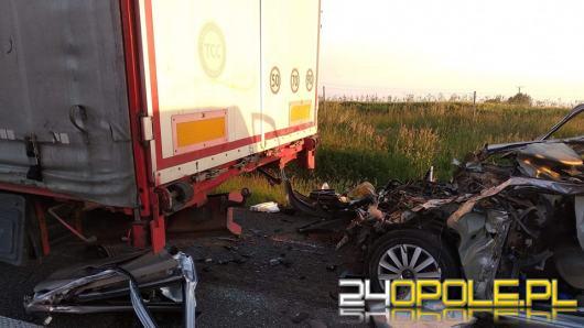 Wypadek na 266km A4. Jedna osoba ranna