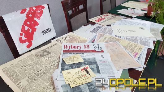 Zrekonstruowano lokal wyborczy sprzed 30 lat. Trwają obchody wyborów czerwcowych