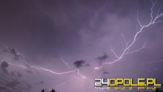 Burze z gradem i wiatr w porywach do 100km/h. Wydano ostrzeżenia!