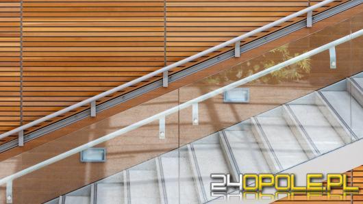 W jaki sposób można oświetlić schody? Poznaj oprawy schodowe LED