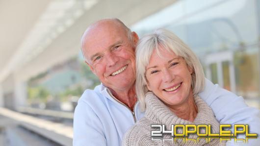 Stany zapalne jamy ustnej a proteza zębowa? Sprawdzamy fakty