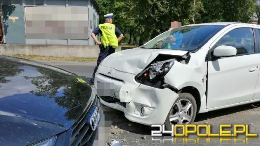 Zderzenie samochodów osobowych przy skrzyżowaniu Ozimska-Plebiscytowa
