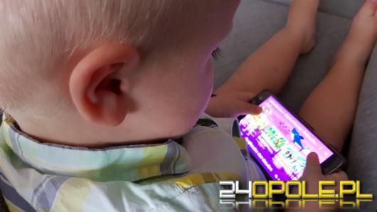 Badania wykazały, że rodzice nie widzą zagrożeń z jakimi ich dzieci spotykają się w Internecie