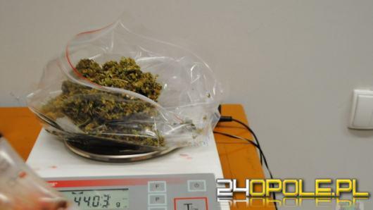 Poszukiwany 32-latek zatrzymany z narkotykami