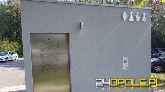 Można już korzystać z toalety miejskiej przy moście na Bolko