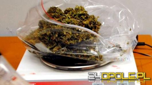 25-latek narkotyki ukrył w dywanie