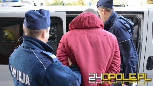 Okradli 24-latka, dodatkowo w piwnicy trzymali narkotyki