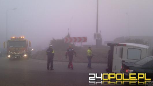 IMGW ostrzega przed gęstą mgłą. Zachowajmy ostrożność!