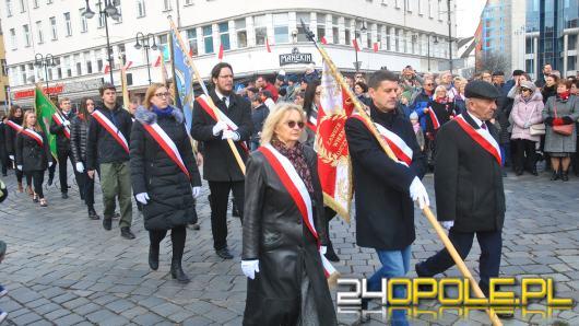 Opolanie tłumnie na Placu Wolności świętują 101 rocznicę odzyskania Niepodległości