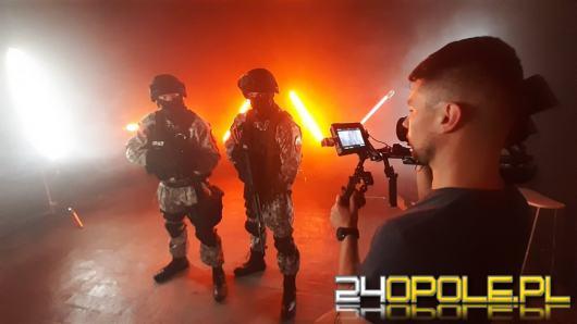 """Dumny z bycia psem"" - teledysk policjanta z Opola"