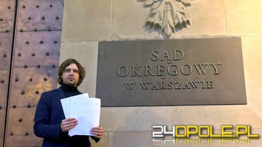 Michał Pytlik wytacza sądową wojnę Patrykowi Jakiemu i Dyrektorowi TVP3 Opole