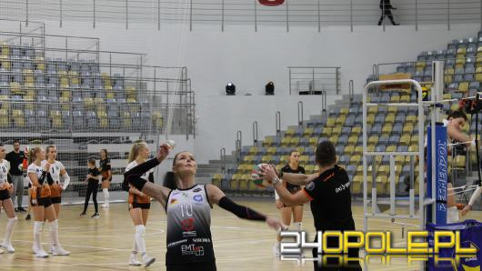 Opolskie siatkarki stoczyły twardy pojedynek w Stegu Arenie