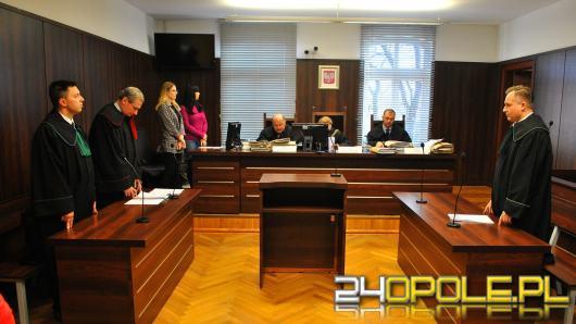 Sąd: Pielęgniarz przekroczył uprawnienia, a nie gwałcił więźnia - była obopólna zgoda