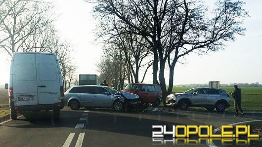 Zderzenie trzech pojazdów w powiecie Kędzierzyńsko-Kozielskim