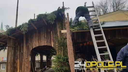 W Opolu-Szczepanowicach trwa budowa Szopki Bożonarodzeniowej