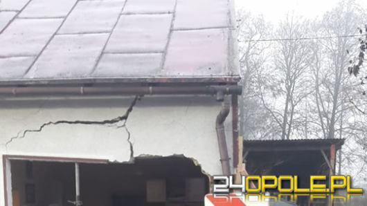 Tragiczny wypadek pod Namysłowem. Auto wjechało w dom