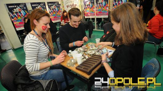 Wolontariusze zebrali już ponad 100 tysięcy złotych do puszek WOŚP