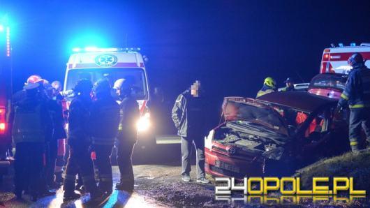 Wypadek dwóch osobówek przy zjeździe na Lewin Brzeski. Są ranni