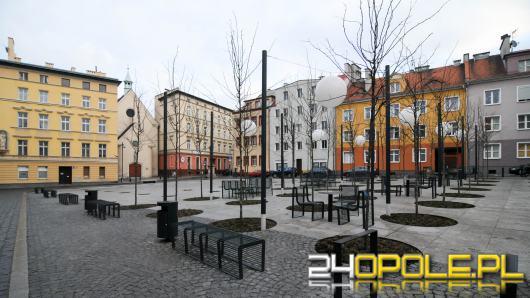 Mieszkańcy skarżą się na parkujących niezgodnie z przepisami na placu św. Sebastiana