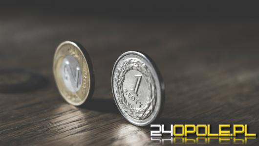 Rosnąca inflacja powoduje, że oszczędności Polaków topniej. W co inwestować?