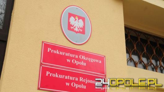"""""""Wróżka"""" proponując usługi okradała Opolan. Wraz z synem usłyszała zarzut rozboju"""