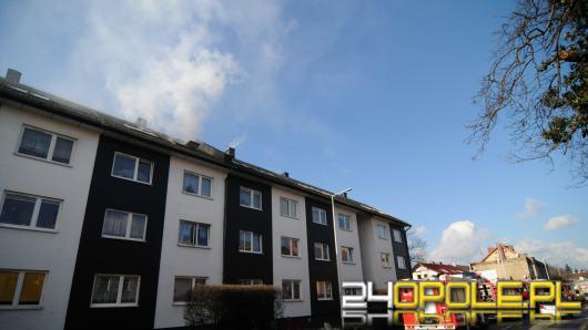 Pożar budynku przy Walecki w Opolu. Na miejscu 7 zastępów straży