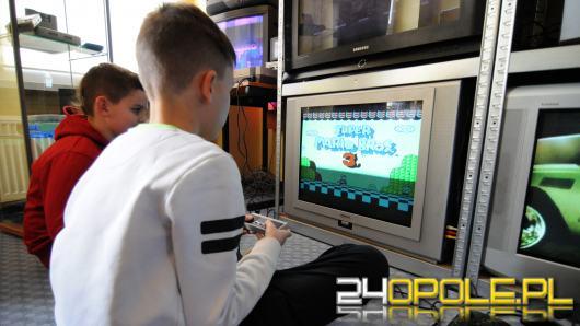 W Wojewódzkiej Bibliotece Publicznej otwarto strefę gier retro