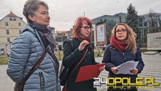Lewica zbiera podpisy pod uchwałą zakazującą eksponowania drastycznych treści w Opolu