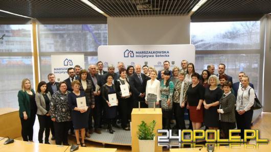 Inicjatywa Sołecka. Gminy z powiatu opolskiego podpisały umowy z Marszałkiem