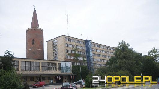 Władze miasta i województwa apelują o unikanie wizyt w urzędach