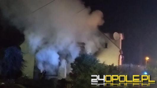 Pożar budynku jednorodzinnego w Opolu. Jedna osoba w szpitalu