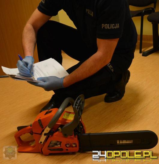 (Kryminalni zabezpieczyli piłę mechaniczną - to tym narzędziem oba krzyże miały zostać ścięte.