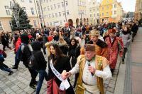 Polonez Maturzystów na Opolskim Rynku - Opole 2020 - 8466_foto_24opole_571.jpg