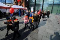 Kolorowy Korowód Fundacji Dom Rodzinnej Rehabilitacji Dzieci z Porażeniem Mózgowym w Opolu zorganiz - 8478_foto_24opole_235.jpg