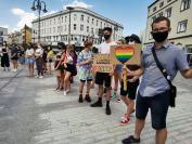 Manifestacja na Placu Wolności - Tęczowe Opole - 8494_resize_received_2634071866807027.jpg