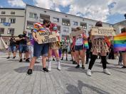 Manifestacja na Placu Wolności - Tęczowe Opole - 8494_resize_received_2912537475522682.jpg