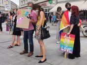 Manifestacja na Placu Wolności - Tęczowe Opole - 8494_resize_received_3635485943133935.jpg