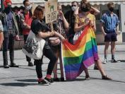 Manifestacja na Placu Wolności - Tęczowe Opole - 8494_resize_received_565752544135564.jpg