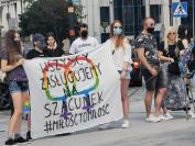 Manifestacja na Placu Wolności - Tęczowe Opole - 8494_resize_received_684081052277402.jpg