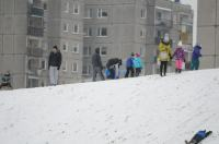 Opolanie ruszyli na sanki do parku na osiedlu Armii Krajowej  - 8573_zima_24opole_0350.jpg