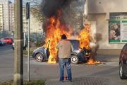Pożar samochodu na ulicy Kieleckiej w Opolu - 20210225084503_resize_20210225_0749580.jpg