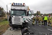 Zderzenie busa z ciężarówką w powiecie oleskim. Nie żyje 62-letni kierowca - 20211018171017_img-20211018-wa0010_0.jpg